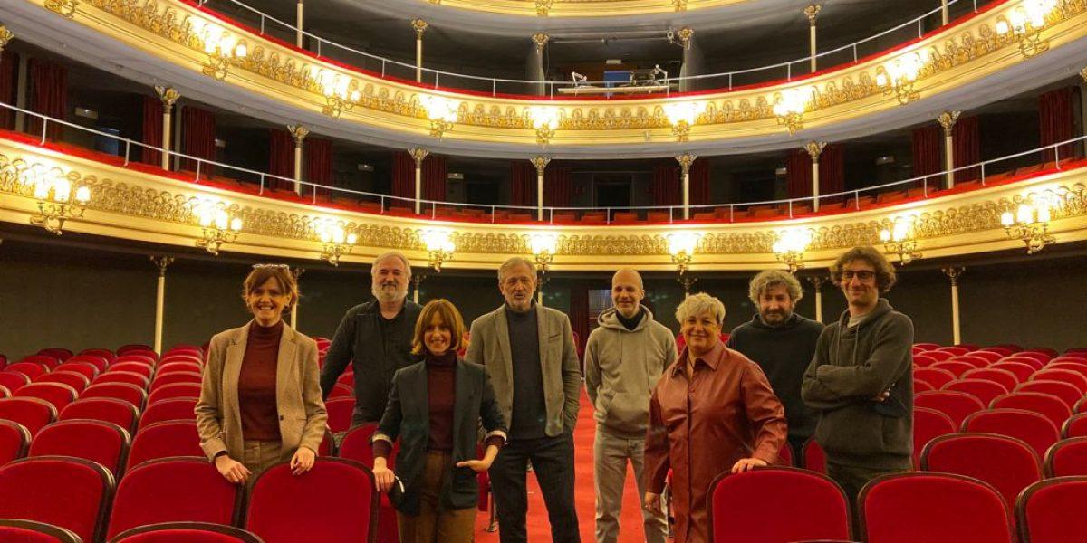 El equipo de Réquiem por un campesino español en el Teatro Principal